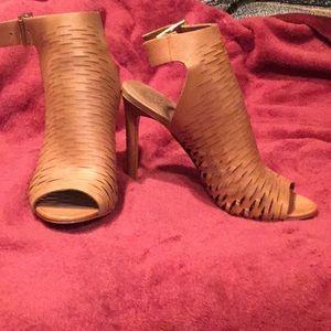 High heel,open toe shoe